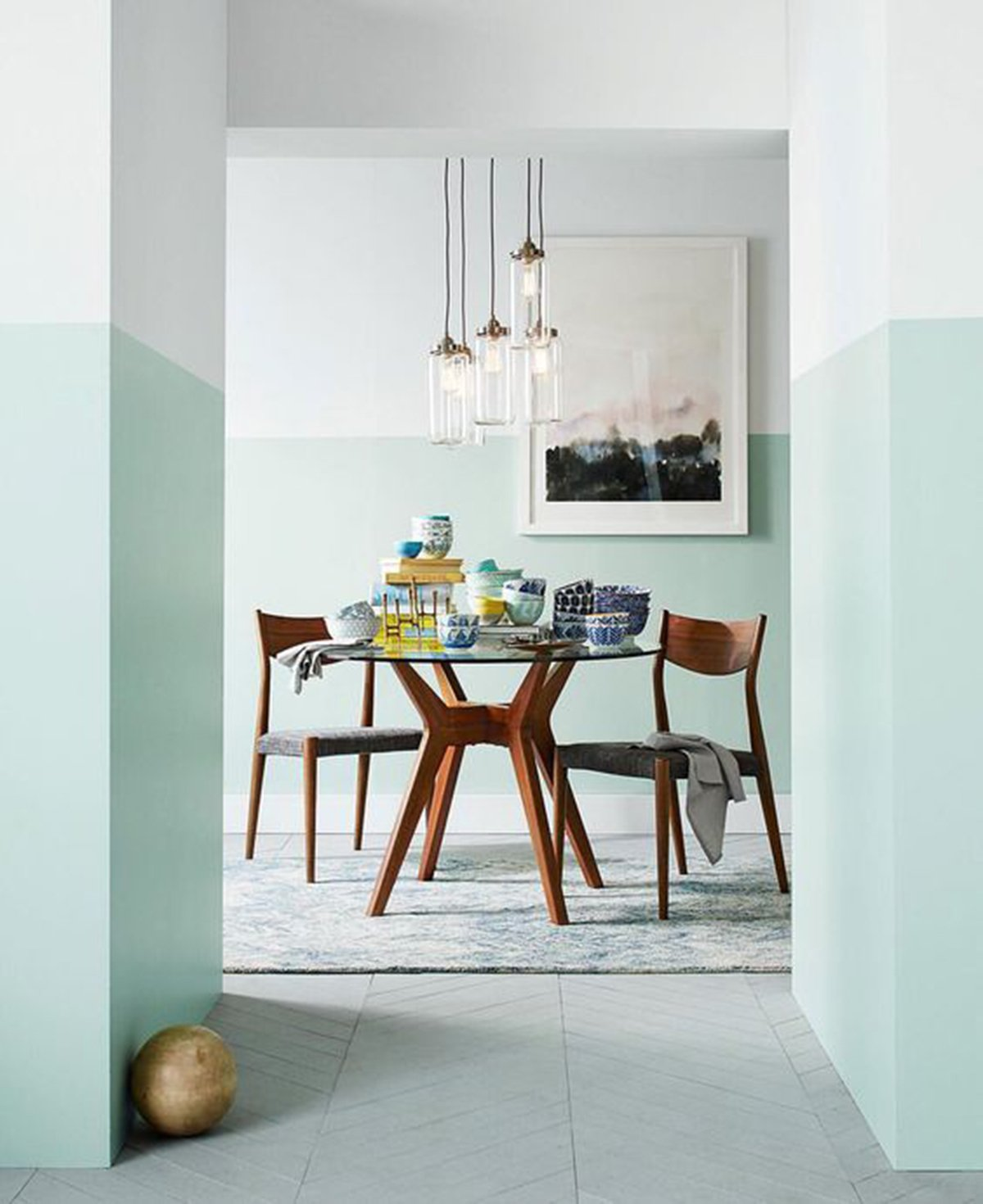 Two-Tone Walls: Perfect for the Indecisive