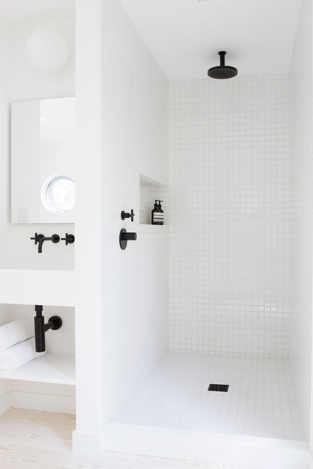 Squeaky Clean: An All-White Bathroom
