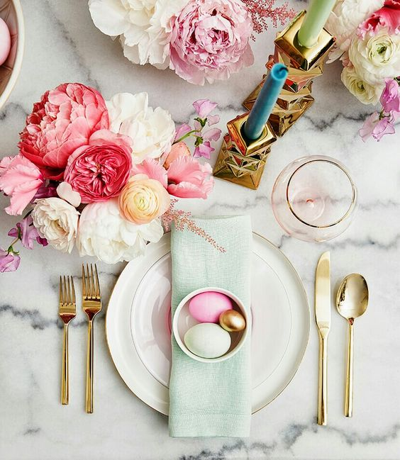 Easter Table Setting: Happy Holidays!
